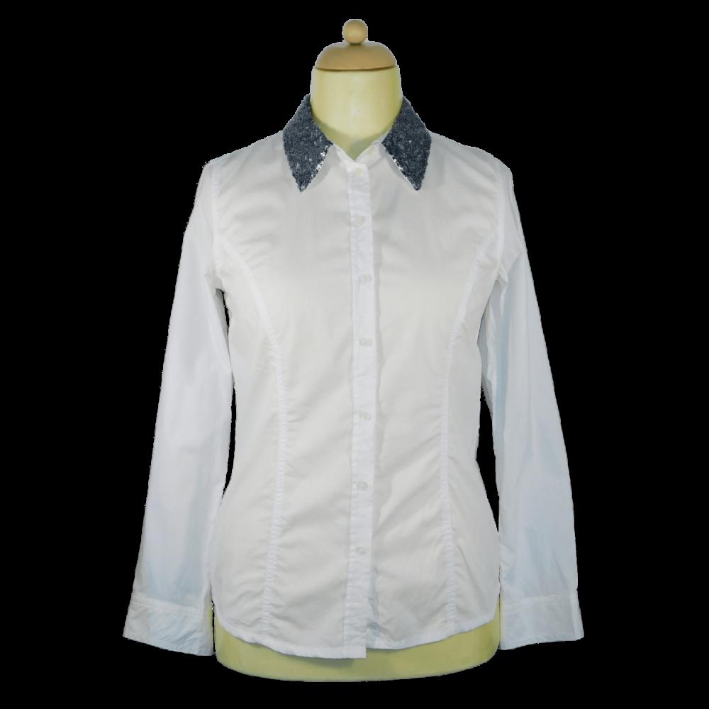 Törtfehér, gallérján sötét ezüst flitteres díszítésű, karcsúsított ing
