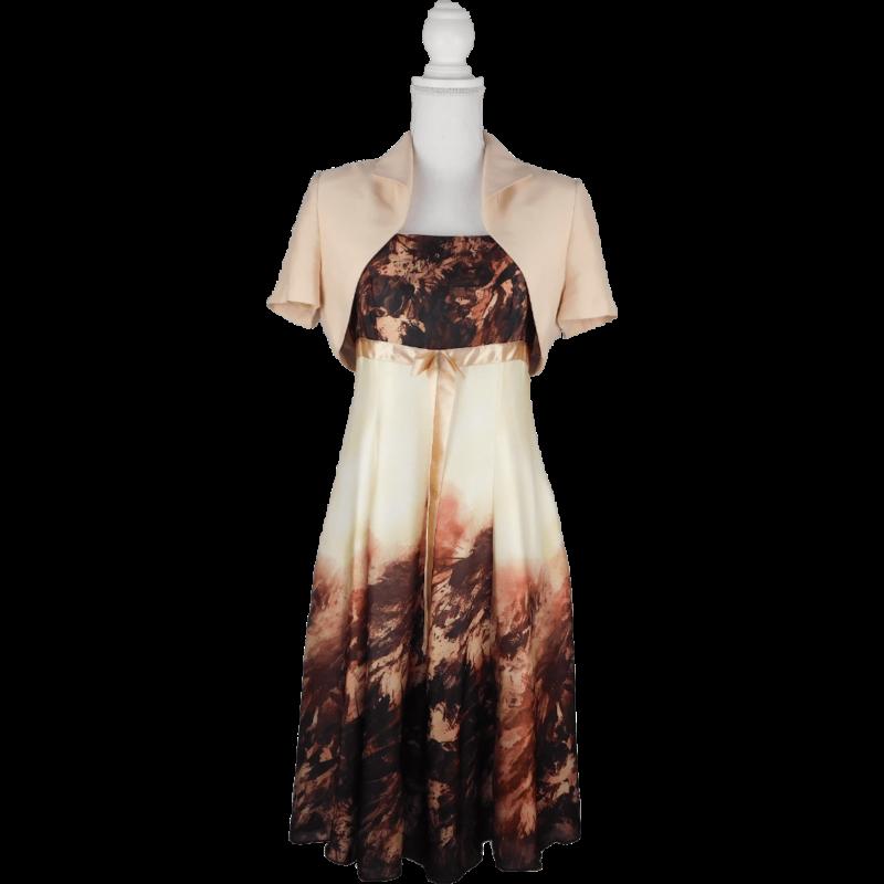 Pántos, A-vonalú ruhából és hozzá illő boleróból álló púder-mályva-tojáshéj szín, szaténos anyagú ruha